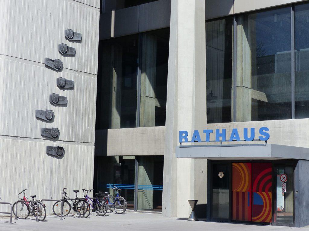 Rathaus_Eingang_zur_Innenstadt